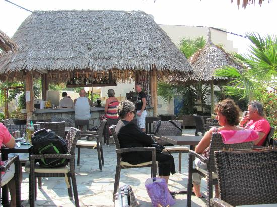 Sissi Bay Hotel & Spa: Tropical Bar