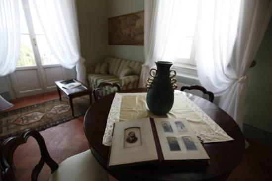 """Villa La Fornacina: Suite Beethove """" salone"""""""