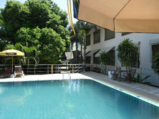 Lamai Inn 99: The pool was never busy