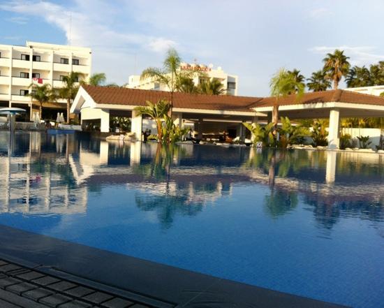Christofinia Hotel: Pool & Poolbar