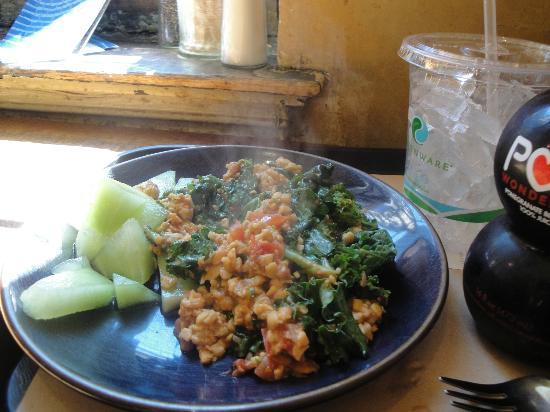 Teaism Restaurant: tempeh scramble with kale