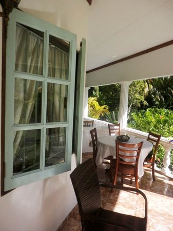 Sky Blue Guest House: veranda