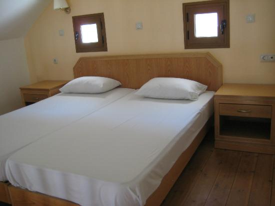 Lindos Horizon: Bed (upstairs)