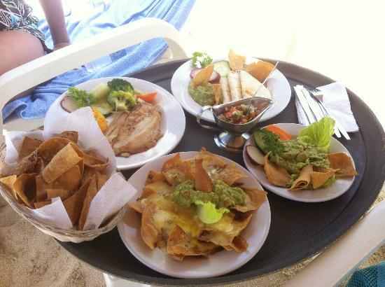 Nachi Cocom Beach Club & Water Sport Center: (starting top and clockwise)Quesadilla, Guacamole Dip, Grilled Grouper, Nachos Nachos, and chips
