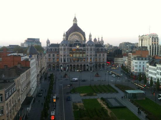 Radisson Blu Astrid Hotel, Antwerp: Koningin Astridplein and Antwerp Central Station