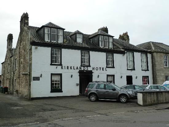 Kirklands Hotel: Hotel view from road