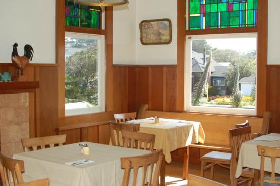 Grey Whale Inn: dining area