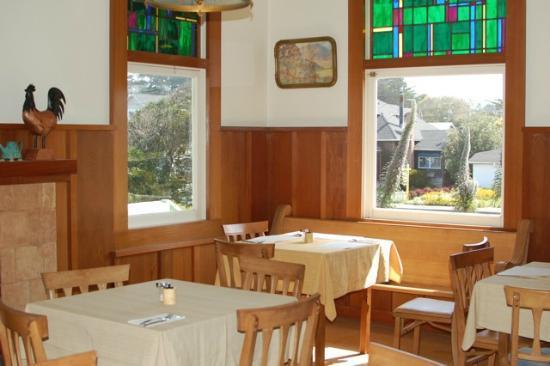 Grey Whale Inn : dining area