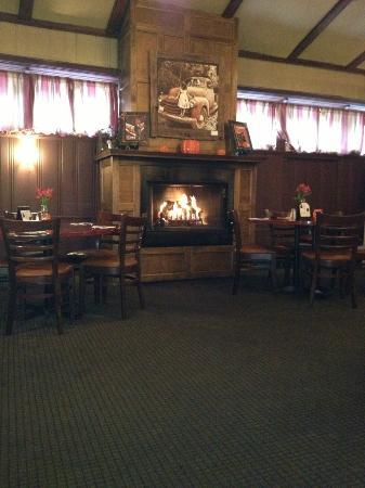 Jorgensen's at Dimmick Inn: Jorgensens Dimmick Inn Warm and Cozy
