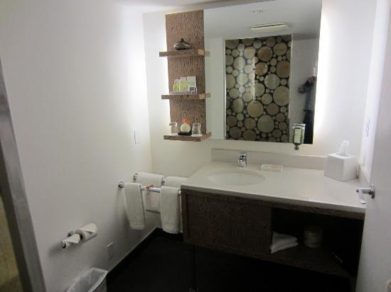 Adara Hotel: Bathroom