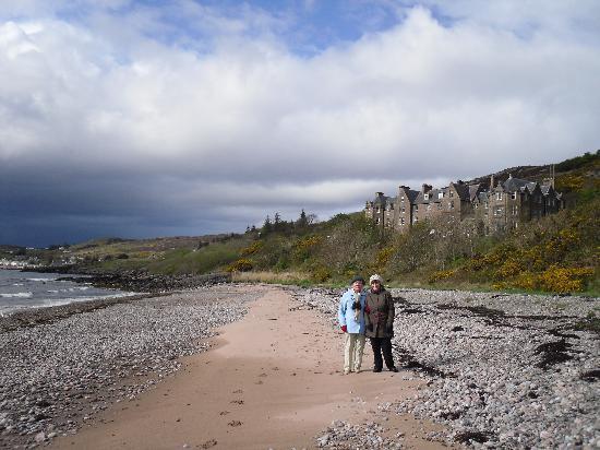 Bay Gairloch Hotel: The beach in front of the Gairloch Hotel
