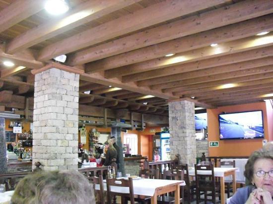 Restaurante interior la roca fotograf a de restaurante la for Restaurante la roca