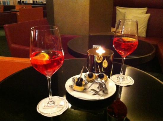 Hotel Hof Weissbad : Apéro an der Bar