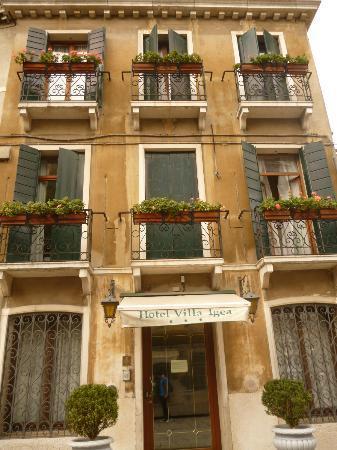 Villa Igea: Outside