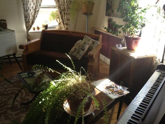 Gîte Au Beau Milieu: coin musique