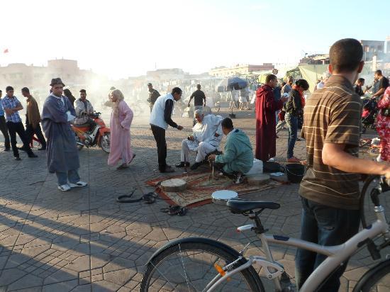 Riad Andalla: Jamaa el fna square