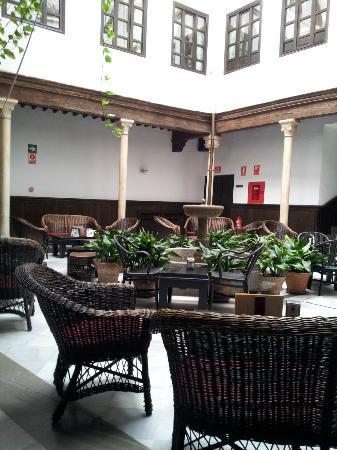 Casa Palacio Pilar del Toro Hotel: Patio andaluz del Hotel Pilar del Toro
