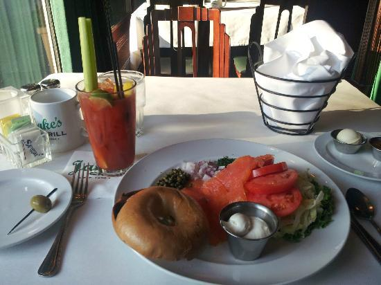 Jake's Grill : Smoked lox and a bagel ........ with a fantastic Bloody Mary