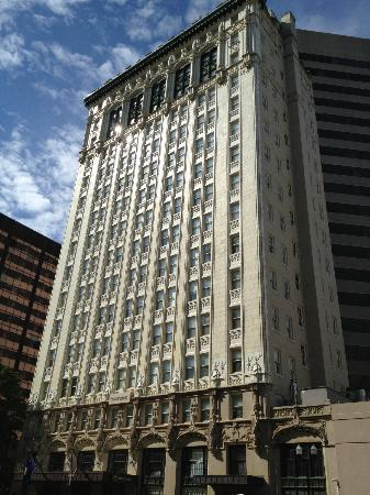 Sheraton Columbia Downtown Hotel: Washinton Street Front Side