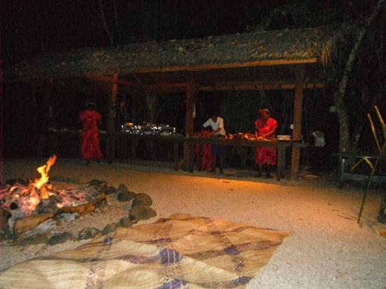 Hideaway Island Resort: Melennesian Feast