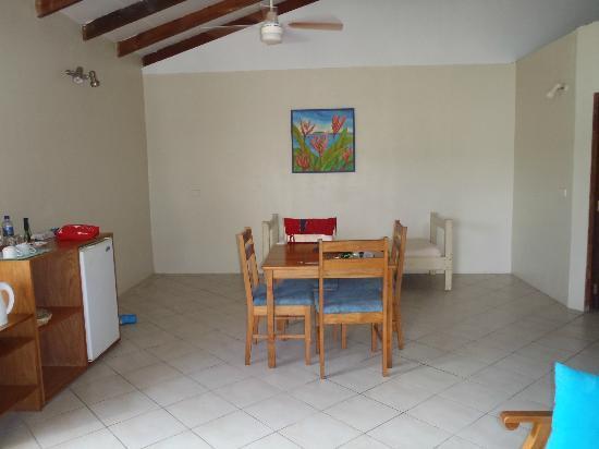 Hideaway Island Resort: Dining room/lounge