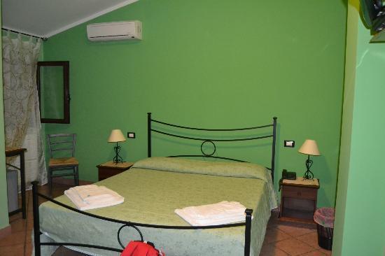 La Porta dell'Etna: camera da letto