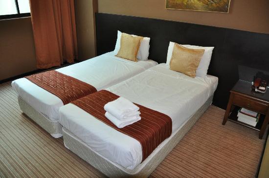 Fortuna Hotel: beds