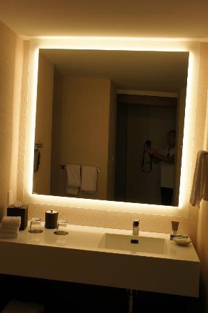 Great big mirror with great back lighting - Picture of Hyatt Regency ...