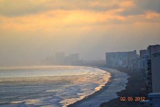 Mar Vista Grande: Beach looking south from 1501