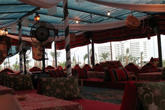 Taj Mahal: Relaxing dining area 