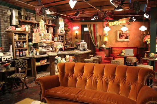 Warner Bros. Studio Tour Hollywood: Set of Friends