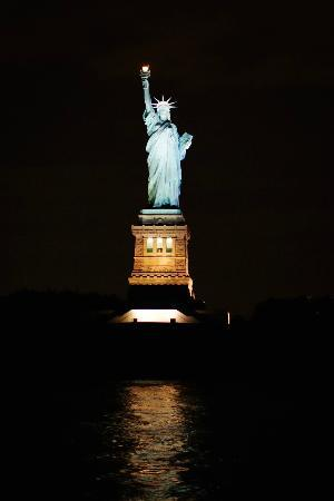 Oceana Restaurant: Statue of Liberty. View from Harbor Lights Cruise.