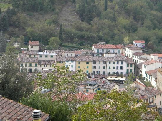 Podere Campriano: View of Greve from our room