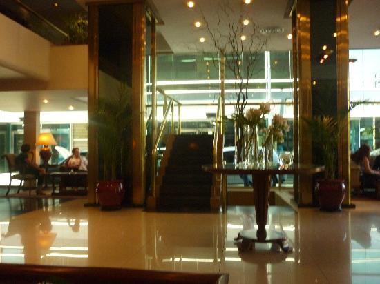 Conte Hotel: recepcion