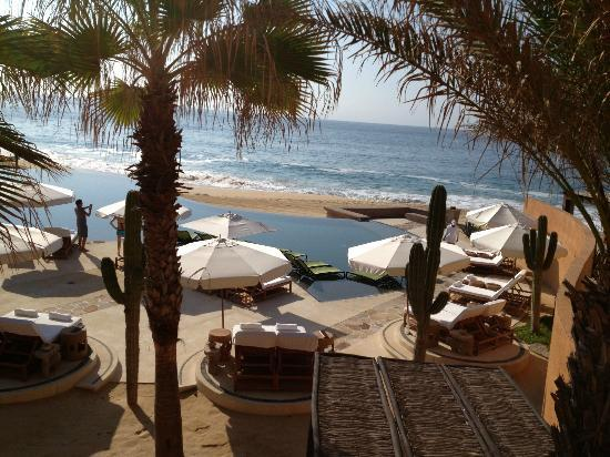The Resort at Pedregal: great pool with swim up bar