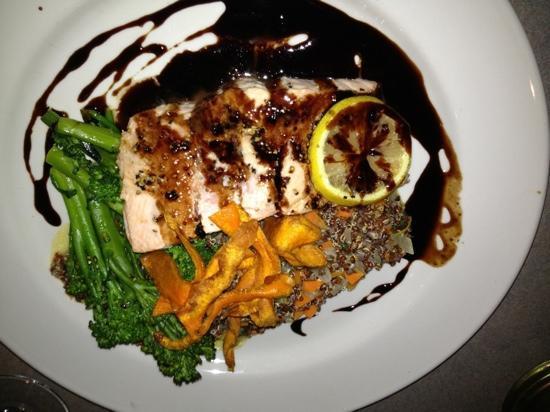 Fins Coastal Cuisine: salmon and quinoa