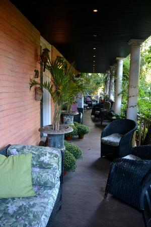 Porches on the Towpath: el Porche