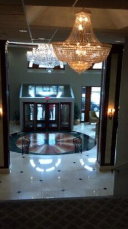 Clayton Plaza Hotel: The hotel lobby