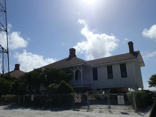 Sanibel Island Lighthouse: Building next to light house