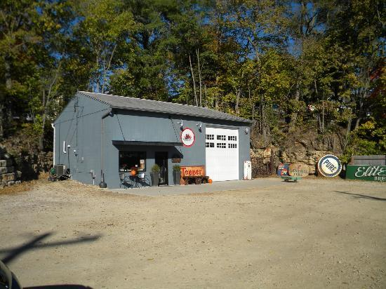 Antique Archeology: The Shop in Le Claire - Just off I-80