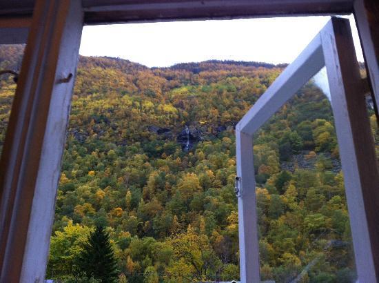 Sanden Pensjonat: View of waterfall from second bedroom