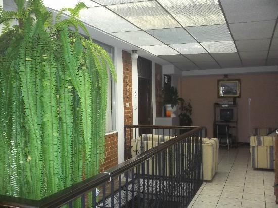 Mariana's Petit Hotel: Pasillo del segundo piso