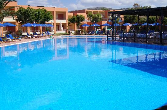Rethymno Village Pool