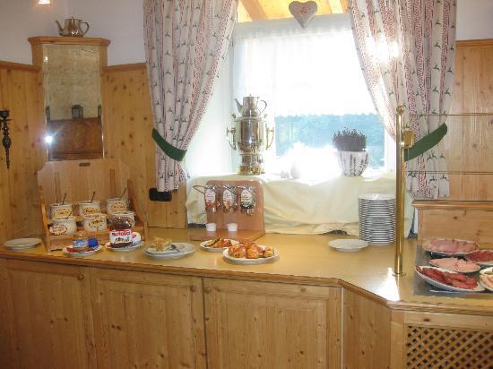 Hotel Bavaria: Part of the Breakfast Area