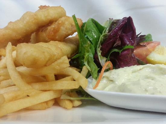 76 Steps Cafe Restaurant: Fish N Chips