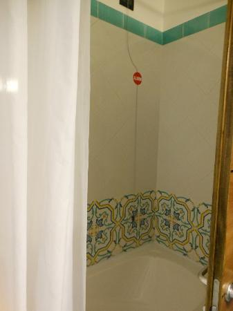 Relais 6: Shower with excellent water pressure