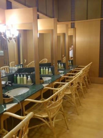 Hoshino Resorts KAI Matsumoto: 大浴場(パウダールーム)
