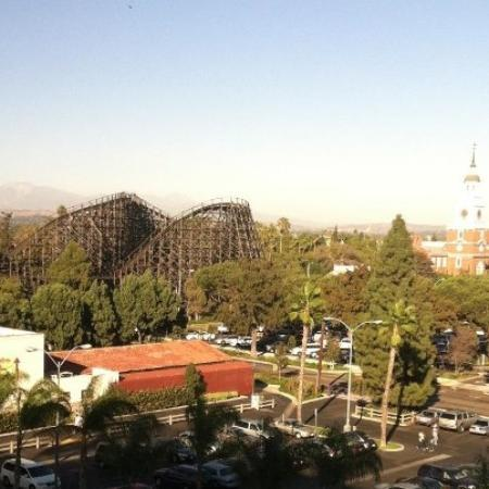 ‪‪Knott's Berry Farm Resort Hotel‬: view from our room‬