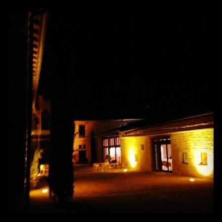 Chateau de Salettes: La cour intérieure