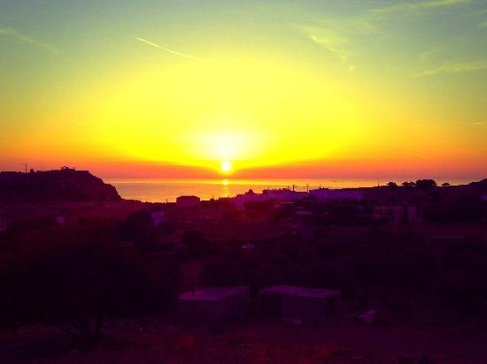 Lindos Horizon: Sunrise from the balcony!